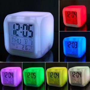 Relógio Despertador com 7 Luzes LED Coloridas